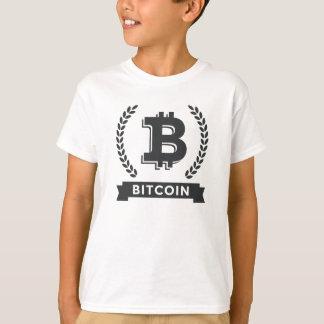 Embroma la camiseta básica con el logotipo del playeras