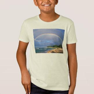 Embroma la camiseta orgánica con una escena del