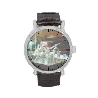Embudos y botellas de cristal relojes de mano