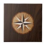 Embutido de madera oscuro de la estrella náutica tejas  cerámicas