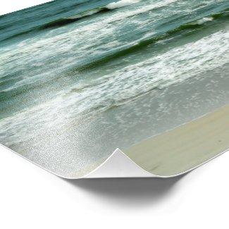 Emerald Green Waves Crashing on the Beach