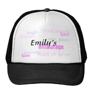 Emily, comitiva, damas de honor, amor, diamantes… gorro