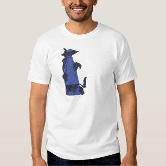 emisión encima de azul de la vaca camisas