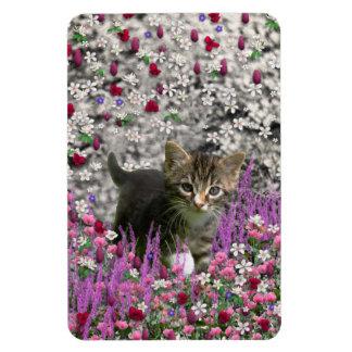 Emma en flores I - pequeño gatito gris Imán Flexible