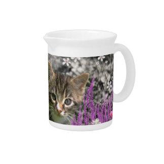 Emma en flores I - pequeño gato gris del gatito Jarrón
