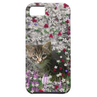 Emma en flores II, pequeño gato gris del gatito de iPhone 5 Cárcasas