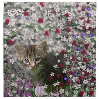 Emma en flores II, pequeño gato gris del gatito de Servilletas De Papel