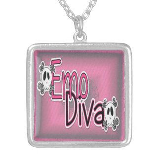 Emo diva skull necklace