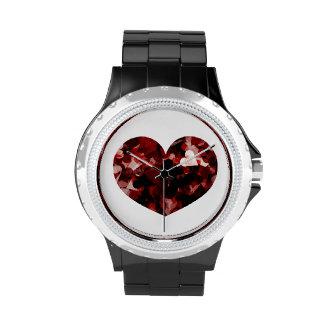 Emoción roja de los corazones del amor verdadero relojes de mano