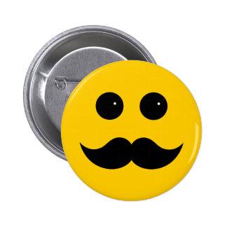 Emoticon amarillo del smiley del bigote pin