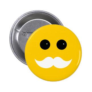 Emoticon blanco amarillo del smiley del bigote pin