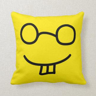 Emoticon del empollón almohada