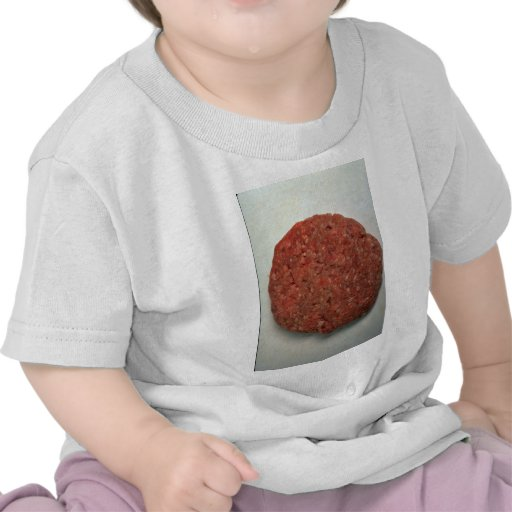 Empanada cruda de la hamburguesa camisetas