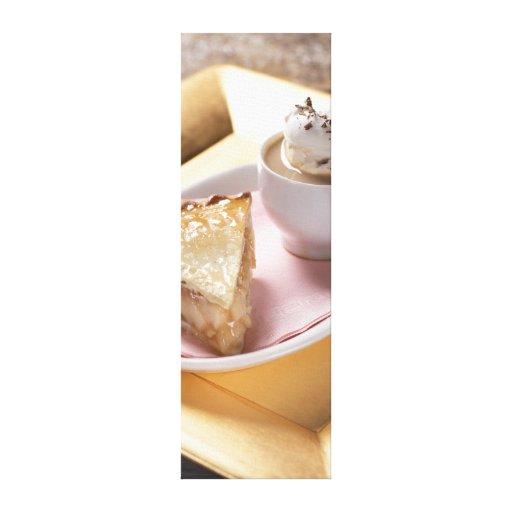 Empanada de Apple y cacao caliente Impresion En Lona