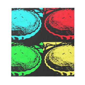 empanada de la cereza del arte pop con un desmoche bloc de notas
