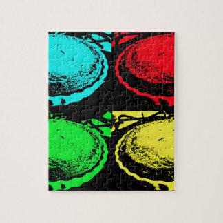 empanada de la cereza del arte pop con un desmoche rompecabezas con fotos