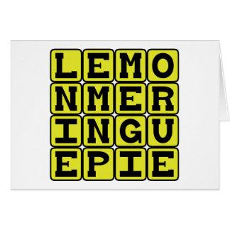 Empanada de merengue de limón, postre de la fruta tarjeta de felicitación