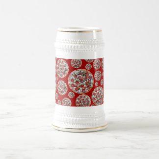 Empanada de pizza roja jarra de cerveza