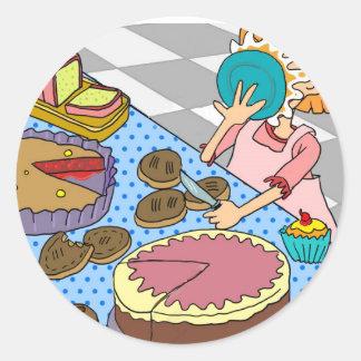 Empanada divertida en el botón de la cara pegatina redonda