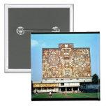 Emparede el mosaico en la fachada de la biblioteca pin cuadrado