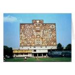 Emparede el mosaico en la fachada de la biblioteca tarjeta de felicitación