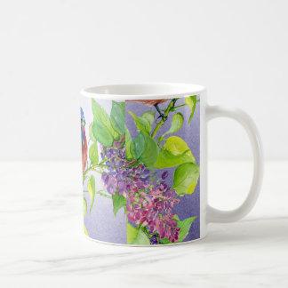 Empavesado pintado en la taza de café de la rama d