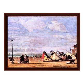 Emperatriz Eugenie en la playa en Trouville Postales