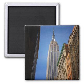 Empire State Building contra el cielo NYC Imanes Para Frigoríficos