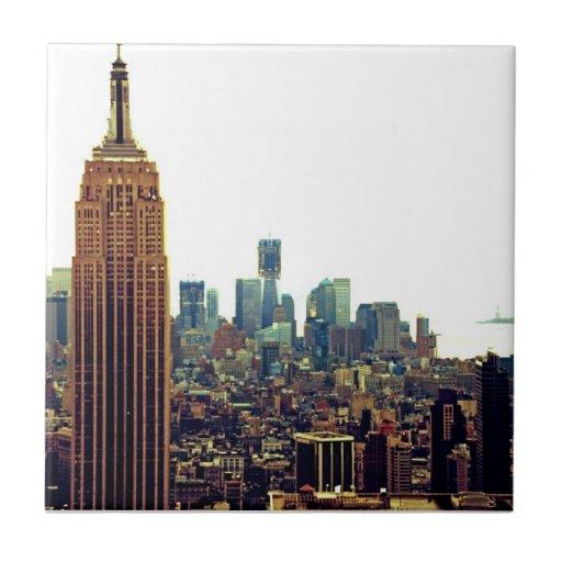 Empire State Building del horizonte de la ciudad Azulejo Cuadrado Pequeño