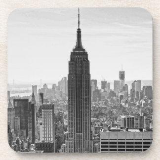 Empire State Building del horizonte de la ciudad d Posavasos