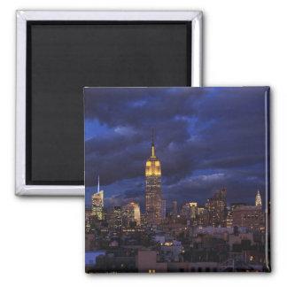 Empire State Building en el cielo amarillo crepus Iman Para Frigorífico