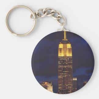 Empire State Building en el cielo amarillo, crepus Llavero