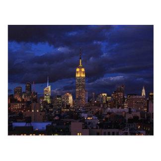 Empire State Building en el cielo amarillo, Postal
