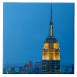 Empire State Building en la puesta del sol Azulejo Ceramica