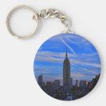 Empire State Building, horizonte de NYC y rastros  Llaveros