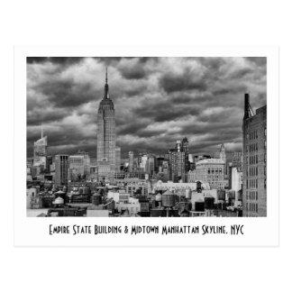Empire State Building, horizonte tempestuoso de Postal