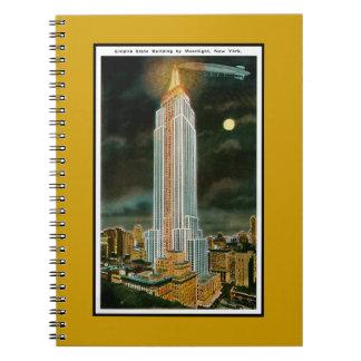 Empire State Building iluminado por la luna Libretas Espirales