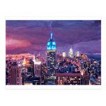 Empire State Building que siente como un gigante Postal