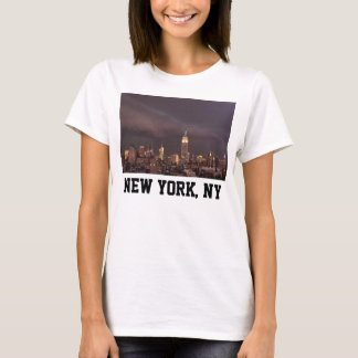 Empire State Building, shark-like cloud approaches T-Shirt