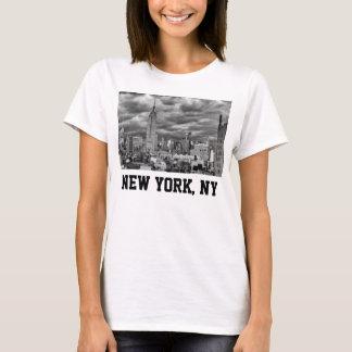 Empire State Building, Stormy NYC skyline, B&W T-Shirt