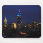 Empire State Building todo en el azul, horizonte Alfombrilla De Ratón