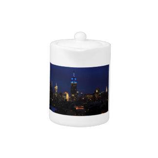 Empire State Building todo en el azul, horizonte