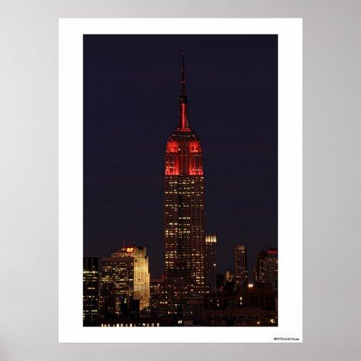Empire State Building todo en rojo Póster
