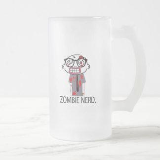 Empollón del zombi. Diosa del empollón del zombi. Jarra De Cerveza Esmerilada