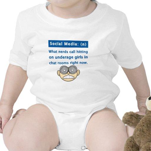 Empollón social de los medios trajes de bebé