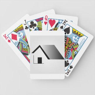 empresa de las propiedades inmobiliarias o de la baraja de cartas