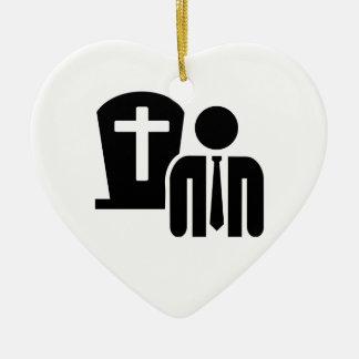 Empresario de pompas fúnebres adorno navideño de cerámica en forma de corazón
