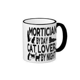 Empresario de pompas fúnebres del amante del gato taza de dos colores