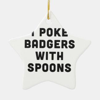 Empujo tejones con las cucharas adorno navideño de cerámica en forma de estrella
