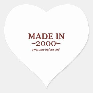 En 2000 diseños hechos del cumpleaños pegatina en forma de corazón
